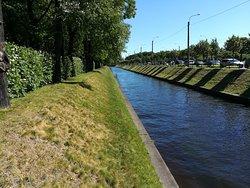 Lebyazhiy Canal