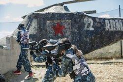 Paintball equipo rojo desde el helicoptero