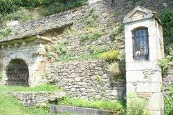 Fontaine ST Claire ( 1979) restaurée par les bénévoles du village.