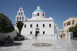 La bellissima  Chiesa di Panagia ad Oia
