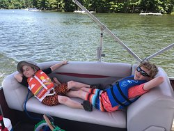 We had such a great time renting a pontoon from Fun Time Water Sports.  The price was the most competitive.  The pontoon was clean, comfortable and ready to go.  The staff were exceptionally nice.  We stopped back and docked for ice cream during our rental time.  They were prepared to help us dock.  Thanks for the great experience and customer service!!!