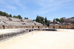 Conjunto Arqueológico de Itálica - amphitheatre