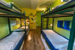 MIXED ENSUITE DORM FOR 6 WITH BUNKBEDS