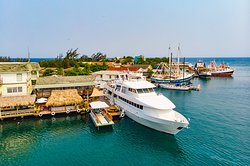 Nice shot of ROMEOS Restaurant dock