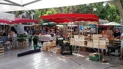 Cassis Market
