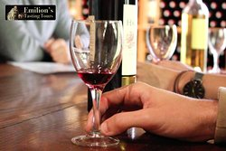 Learn to taste wine and identify its qualities