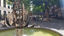 Nibelungenliedbrunnen