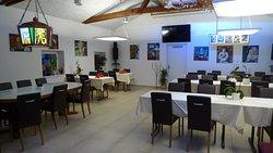 Unsere kleine Kunst-Galerie von F. Brade im Restaurant Lachmatt