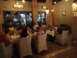 Feliz Restaurant & Bar