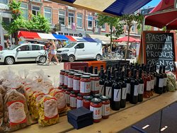 Zomermarkt in Jan Piet Heijestraat