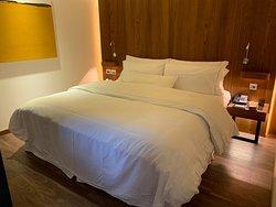 房間大,牀舒服。很休閒舒服的地方。
