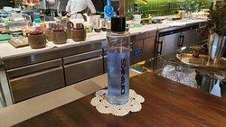 Agua con ficocianina
