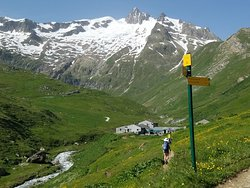 The BEST Refugio on the Tour du Mont Blanc
