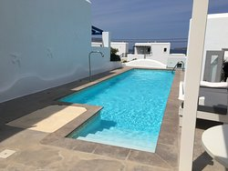 Pool-towels provided!