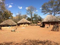Visitamos un poblado cerca del parque de Hwange