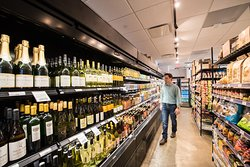 Union Kitchen Grocery wine and beer selection.