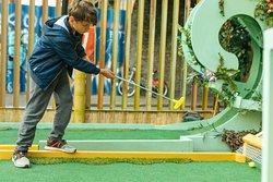 Plonk Crazy Golf London Fields
