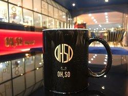 만달레이  최고의 커피  최고의 시설  최고의 베이커리  최고의 분위기  최고의 서비스  총평 만달레이에서 꼭 한번 들러야할 장소 직접 미얀마 커피를 로스팅해서 고퀄리티의 커피를 마실수 있으며 베이커리는미얀마에서 볼수 없는 좋은 품질이며 고급스러운 인테리어를 갖추고 있음 호텔이라 서비스랑 주차가 편리함