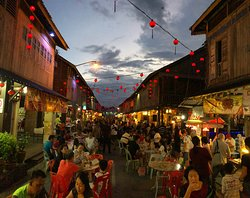 Siniawan Night Market