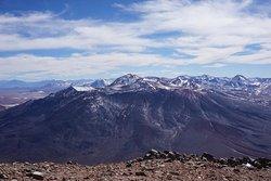 Vista hermosa desde la cima del Volcano Licancabur !