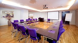 Meeting room until 38 persons.