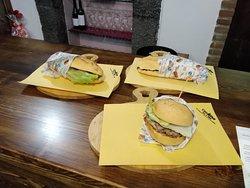 Double Cheessteak e Hamburger California