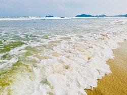Vista praia da enseada Guarujá (5 minutinhos de caminhada a pé da Pousada POSEDION)