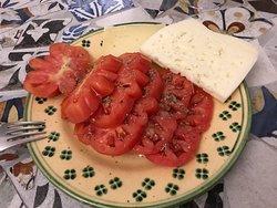 formaggio di capra dop e pomodoro costoluto