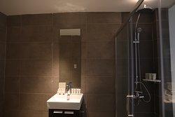 City Twin Bathroom