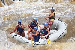 Recorre el mejor de rafting en Sudamérica, los mejores guías, la mejor seguridad & tarifas disponibles aquí.