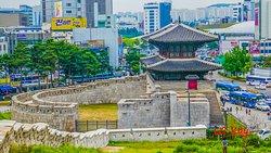 Dongdaemun Seonggwak Park