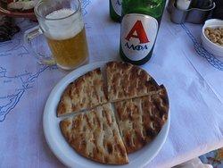 Pita Brot und Bier