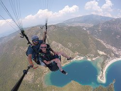 Paragliding with reaction