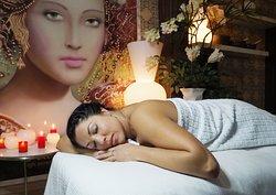 Masajes y tratamientos de belleza Massages and beauty treatments