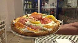 Pizza Gourmet da zio Peppe trattoria