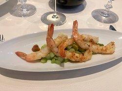 Le Rossini - starter: prawns and asparagus.