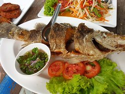 Deep fried Barramundi with fish sauce (Plaa Kapong Tod Naam Plaa)
