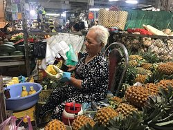 Pinapple lady at the food market