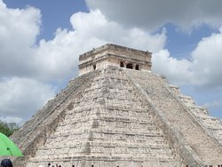 Chichen Itza with one tacky umbrella in it. GO EARLY!