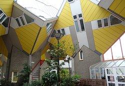 Kubushäuser Rotterdam: Innenhof (Ansicht 2)