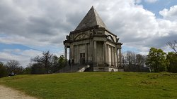 Cobham Wood and Mausoleum
