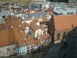 Вид с башни церкви Святого Петра.