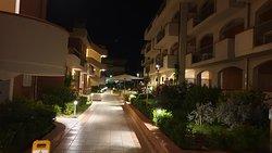 I Cinque Pini by night 2