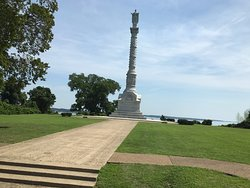 Yorktown Victory Monument built on the side of Yorktown River.