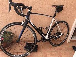 Carbon Merida with Mavic Cosmic Elite wheels and Shimano 105 group set