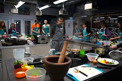 Chef Kanthi teaching his lesson