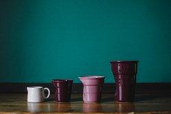 Втаких стаканчиках подают кофе длялюбимых посетителей :)