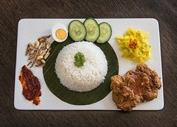 Nasi Lemak Fried Chicken