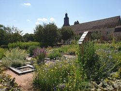 Le Domaine de l'Abbaye et ses Jardins Thematiques