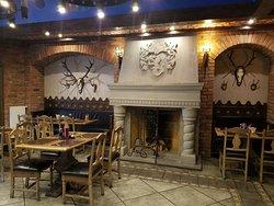 ОДин из залов ресторана в замке Нессельбек
